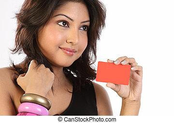 mulher segura, cartão, crédito