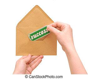 mulher segura, mensagem, mão, correio, sucesso, envelope