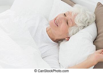 mulher sorridente, antigas, dormir