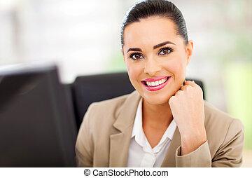 mulher sorridente, jovem, negócio