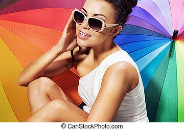 mulher sorridente, levando, sunbath