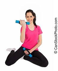 mulher sorridente, pesos, levantamento, condicão física