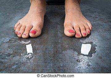 mulher, suado, pés