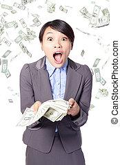 mulher, surpreendido, rosto, com, dinheiro cadente