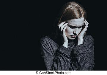 mulher, tendo, dor de cabeça