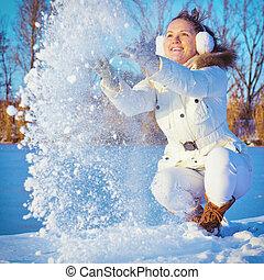 mulher, tocando, com, a, neve