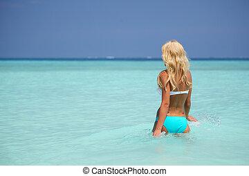 mulher, tocando, em, água