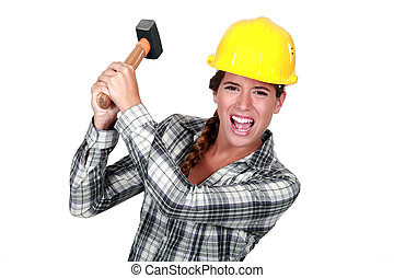 mulher, trabalhador construção, louco, obtendo