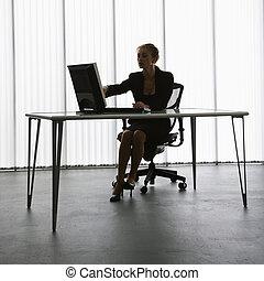 mulher, trabalhando, silhouette.