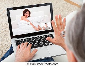mulher, vídeo, conversando, homem