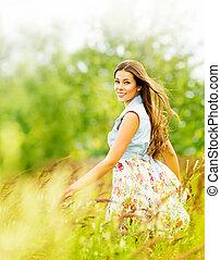 mulher, verde, atraente, campo, menina, retrato, jovem, verão, bonito, parque, nature., ao ar livre