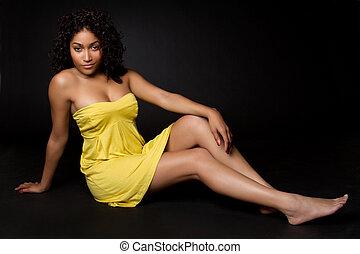 mulher, vestido, amarela