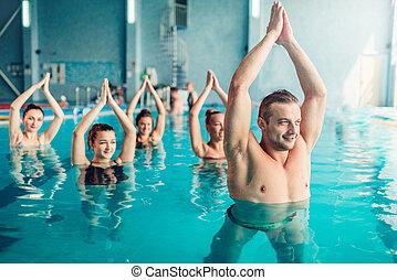 mulheres, aqua, aeróbica, classe, em, esporte água, centro