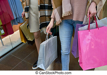 mulheres, carregar, bolsas para compras