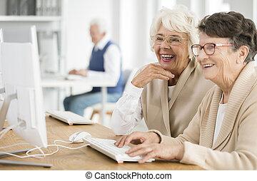 mulheres, dois, óculos