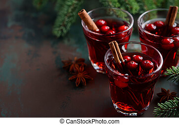 Mulled red wine with cranberries.