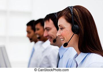 multi-étnico, serviço freguês, agentes, com, headset, ligado