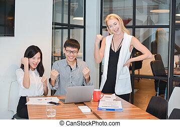 multi, 共有, グループ, ビジネス 人々, 部屋, ethnics, ∥(彼・それ)ら∥, 考え, ミーティング