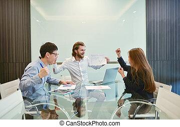 multi, dzielenie, grupa, handlowy zaludniają, pokój, ich, pojęcia, etniczny, spotkanie