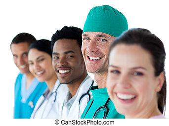multi-ethnic, drużyna, uśmiechanie się, medyczny