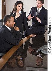 multi-ethnic, handlowe spotkanie, w, sala konferencyjna