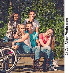 multi, grupo, deportivo, parque, adolescente, étnico, amigos
