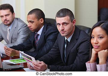 multi, handlowy, meeting., ognisko, kaukaski, drużyna, etniczny, człowiek