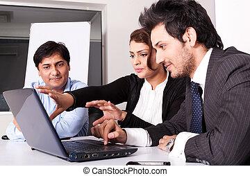 multi, mulher, grupo, pessoas negócio, jovem, inidan, reunião, businessmen., racial, reunião