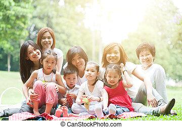 multi, na wolnym powietrzu, rodzina, park, asian, generacje