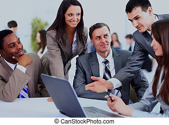 multi, work., handlowy, dyskutując, etniczny, spotkanie, egzekutorzy