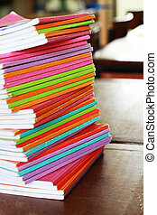 multicolor, libros