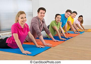 multiethnische gruppe, von, friends, trainieren