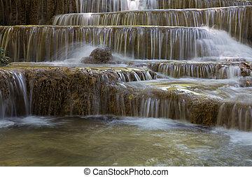 multiplo, strato, cascate, in, profondo, naturale, foresta