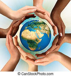 multiracial, handen, omliggend, de aarde, globe
