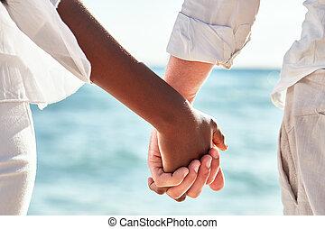 multiracial párosít, kézbesít