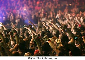 multitud, aplausos, y, manos levantar, en, un, música viva,...