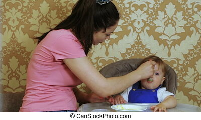 Mum feeds child home - For special table seats mom naughty...