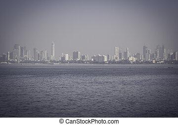 MUMBAI, INDIA - FEBRUARY 25: The Gateway of India, Panaroma ...
