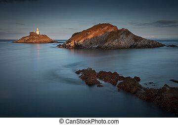 Mumbles Lighthouse at dusk