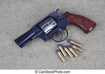 munición, revólver