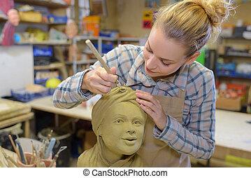 munka, női, szobrász