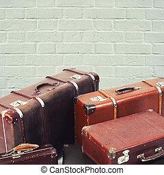 mur, brique, vieux, fond, valises