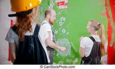 mur, comment, fille, parents, coloriage vert, discuter