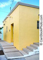 mur, fond blanc, jaune, escalier
