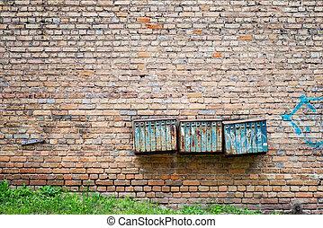 mur, rouillé, brique, grunge, boîtes lettres