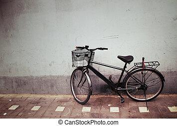 mur, vieille bicyclette, contre