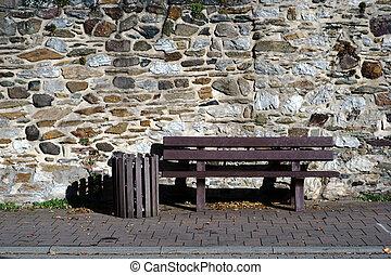 muro pietra, panchina, campo, fronte