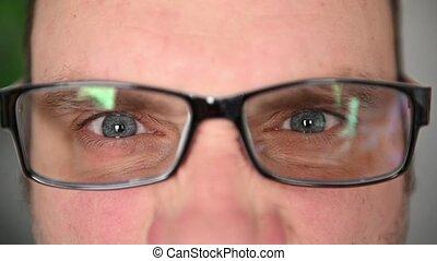 muscles faciaux, là, face., lunettes, close-up., émotions, homme, yeux