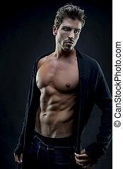 muscular, joven, modelo, con, abdominals, y, elegante, ropa