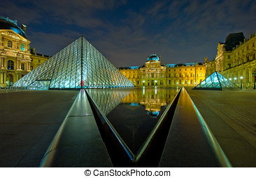 museo louvre, por la noche, parís, francia
